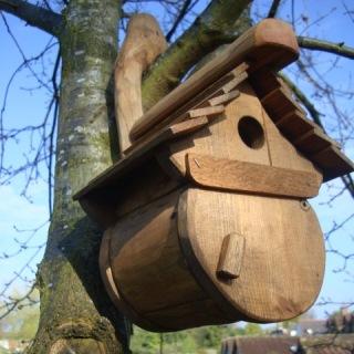 Memorial Benches Bird Boxes Amp Bird Tables