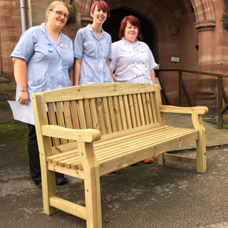5ft redwood cardiff park bench with carved inscription - 1.5m memorial bench