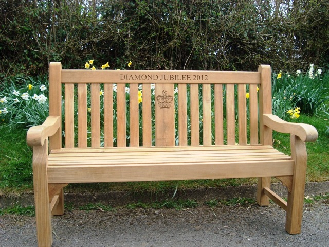 Kenilworth Fsc Certified Teak Memorial Bench With Central Panel